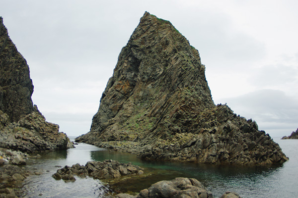 岩写真・1