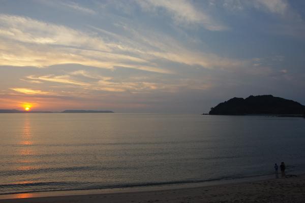 初潮の夕焼け