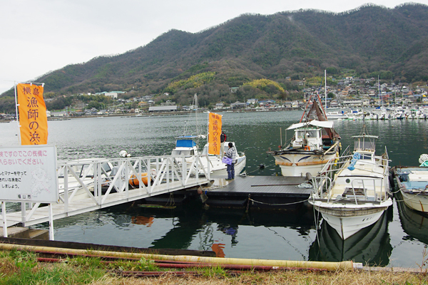 横島・漁師の浜売り会場